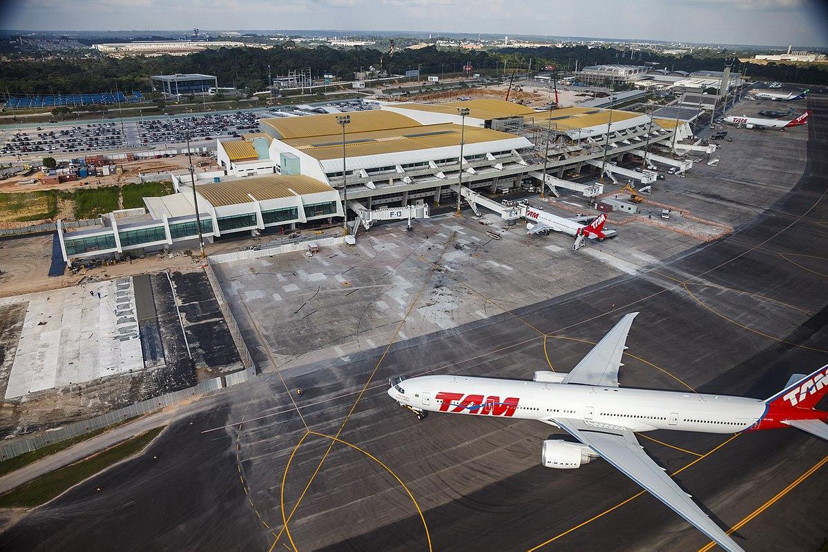 Le Brésil met aux enchères 22 aéroports et 5 ports