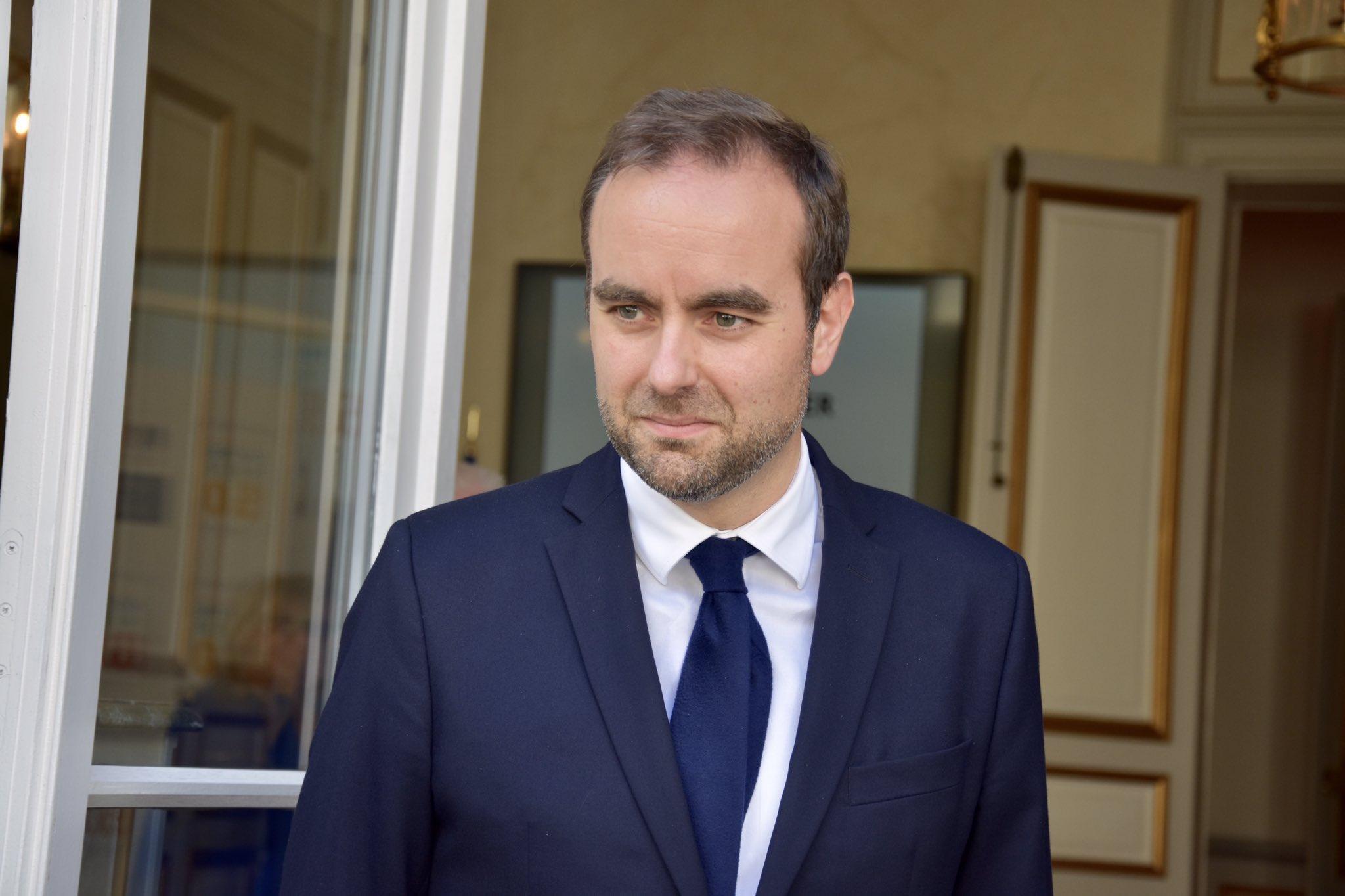Nouvelle-Calédonie : Sébastien Lecornu promet 82 millions d'euros « pour contribuer aux dépenses engagées par la crise sanitaire »
