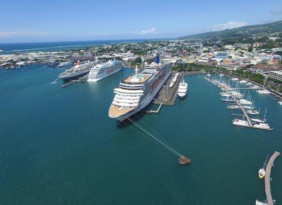En Polynésie, les professionnels du tourisme nautique rêvent de croisières