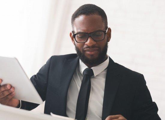 Les chefs d'entreprises ultramarins déclarent une baisse de 5% de leur chiffre d'affaires en 2020, selon une enquête de l'IEDOM et de l'IEOM