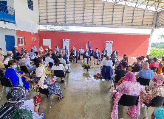 À Mayotte, les consultations sur le projet de loi se poursuivent sur toute l'île