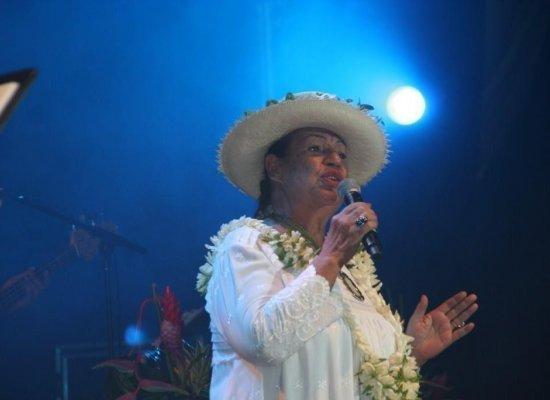 Polynésie: Dix chansons d'Esther Tefana, monument de la musique polynésienne